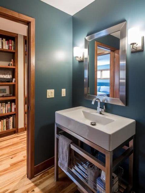parede azul banheiro