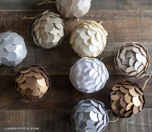 bolas de natal de papel