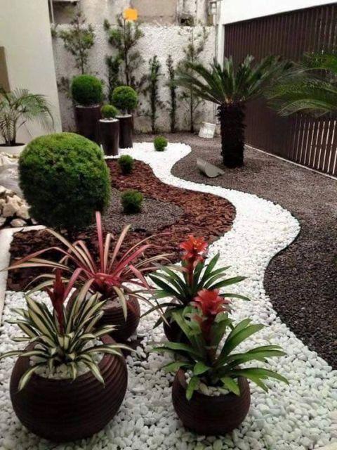 jardim com pedras decorativas