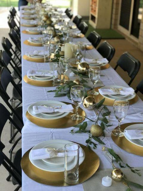 decoração mesa de natal verde e dourada
