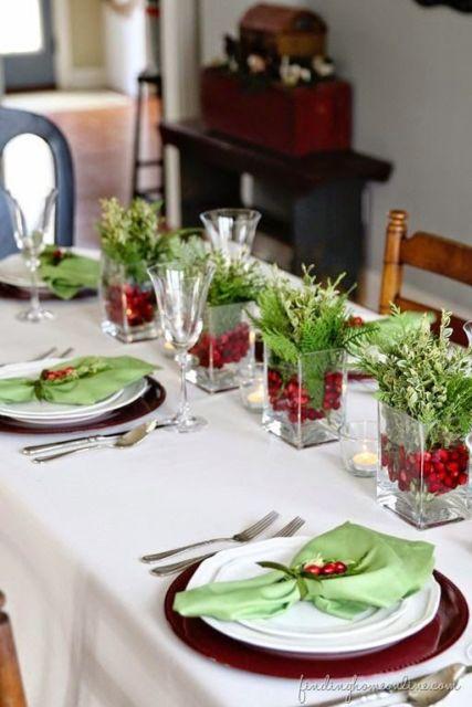 decoração mesa verde e vermelha