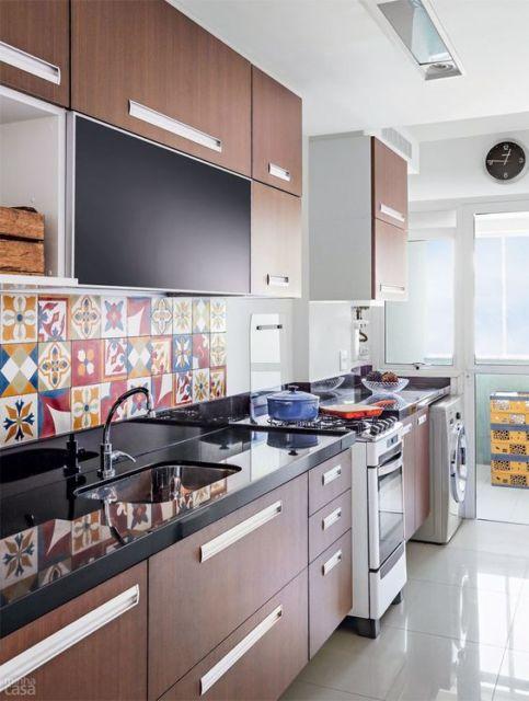 cozinha decorada com adesivos de azulejo