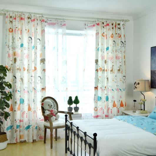 cortina estampada com estampa infantil