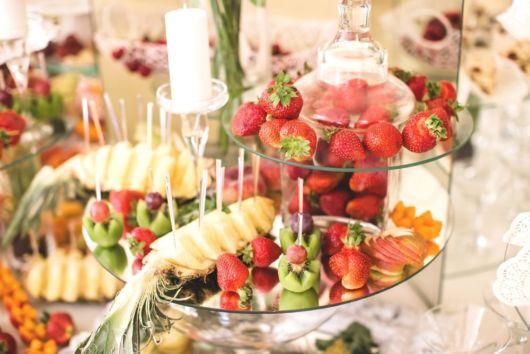 Decoração de Ano Novo simples com frutas
