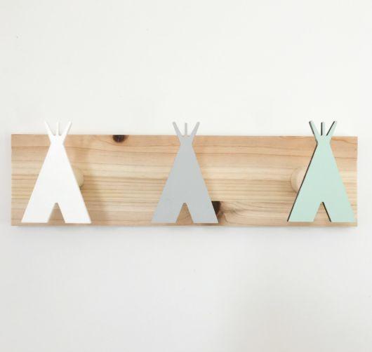 Gancho de parede de madeira