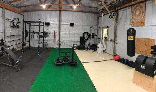 garagem simples e bonita academia