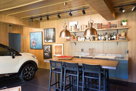 garagem simples e bonita com bar gourmet