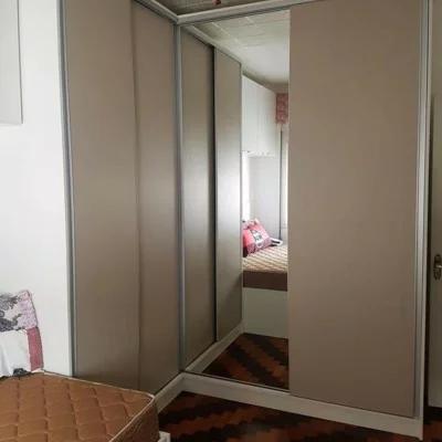 guarda-roupa 4 portas com espelho