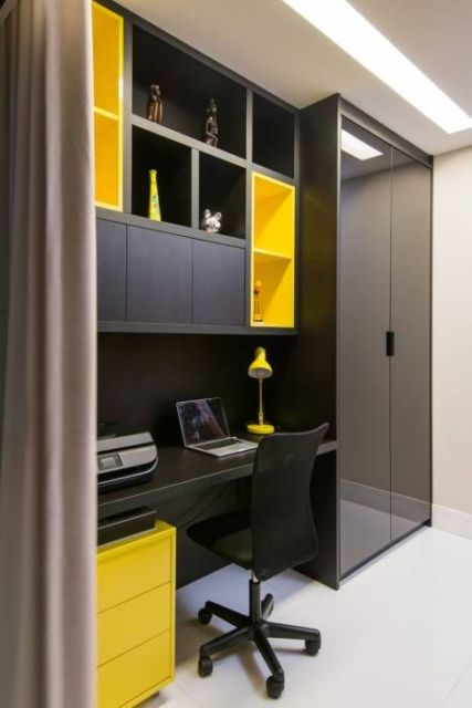 home office preto e amarelo