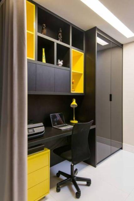 home office preto e amarelo
