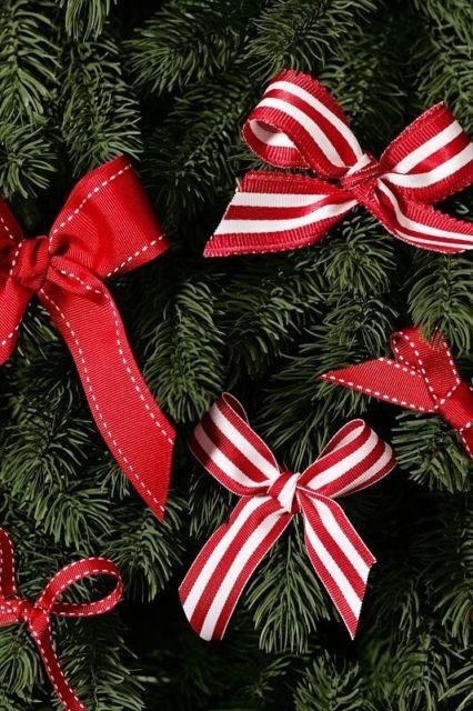 árvore decorada com laços
