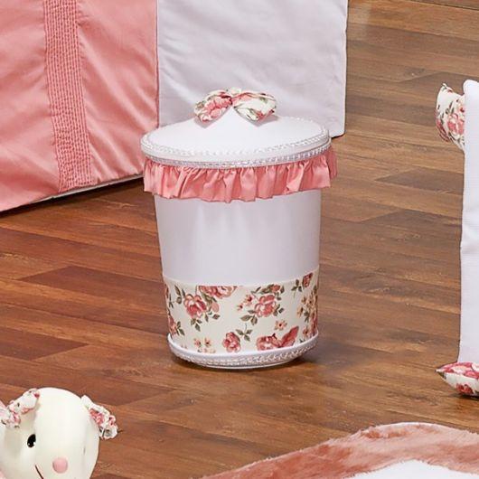 lixeira para quarto de bebê com laço rosa