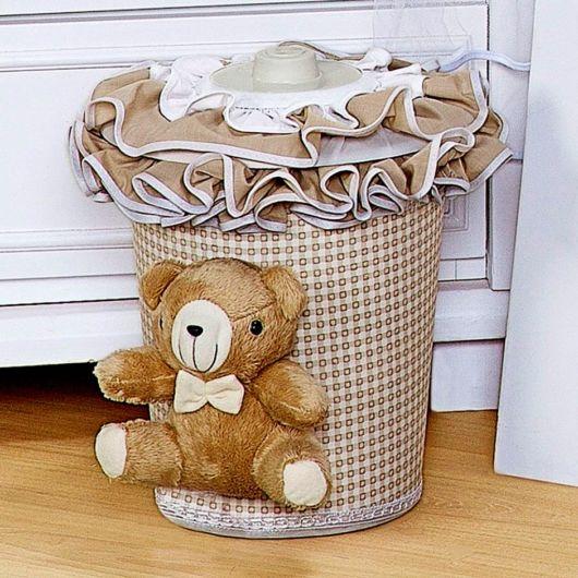 lixeira para quarto de bebê com ursinho