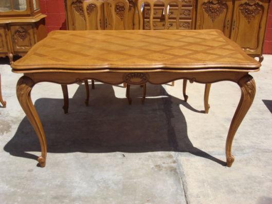 mesa de jantar retrô vintage marrom