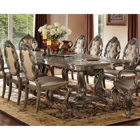 mesa de jantar retrô com cadeiras lindas