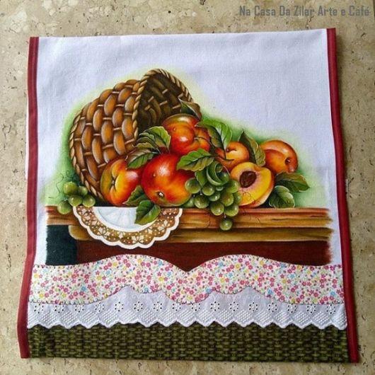 pano de prato com barrado de tecido
