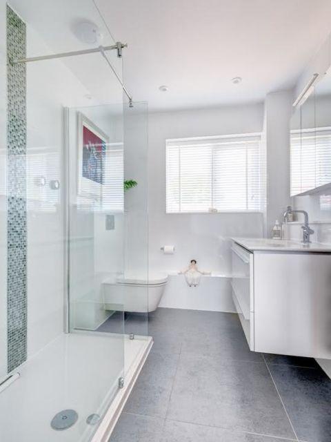 porcelanato cinza no banheiro
