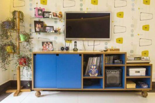 móvel azul na decoração