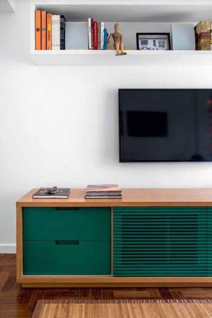 sala com móvel verde