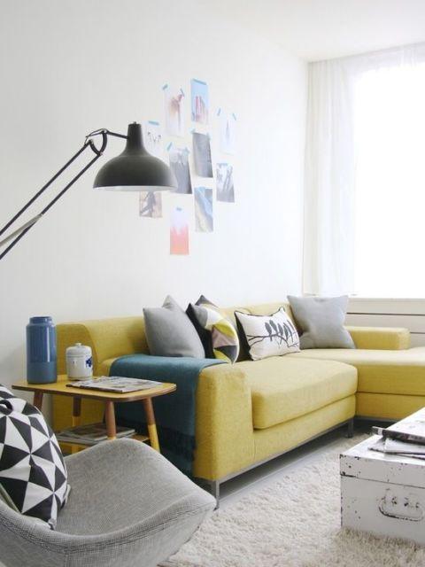 sala com sofá em L