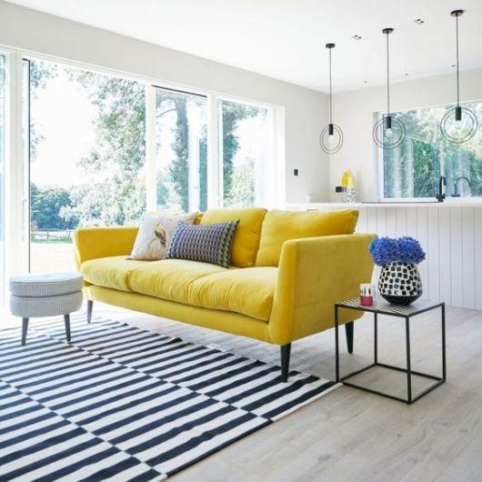 sala com sofá 3 lugares