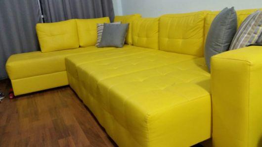 sofá de couro de canto