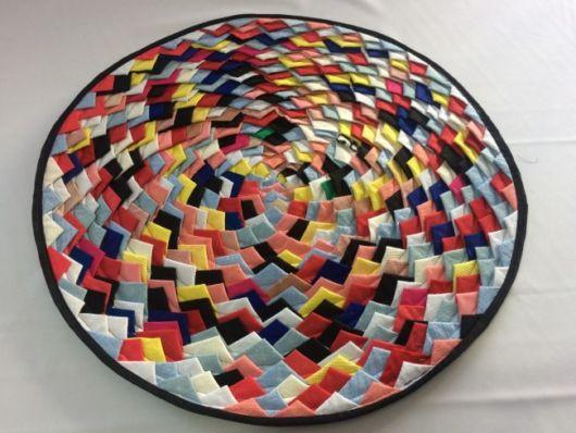 tapete redondo e colorido