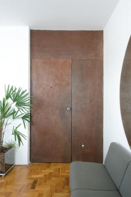 porta pivotante de aço corten