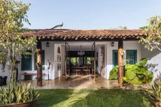 casa campo com telhado colonial