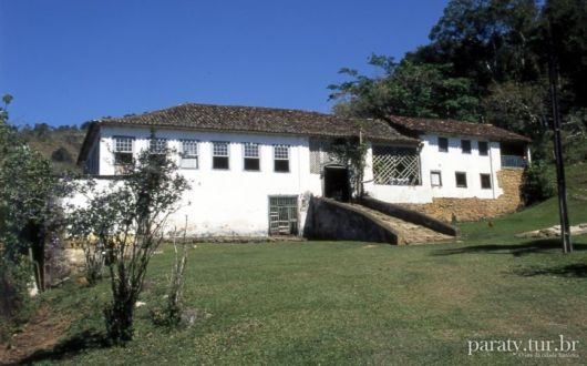 casa simples e antiga