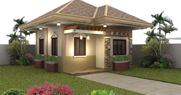 Casa contemporânea com telhado aparente