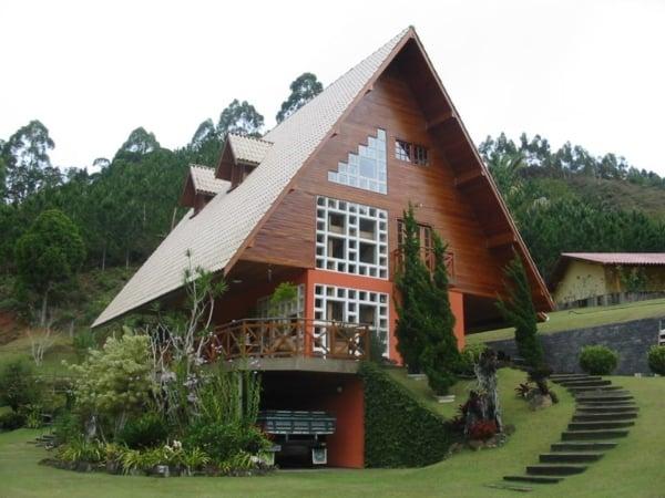 Panorama de chalé de madeira