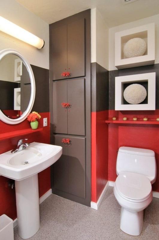 Banheiro vermelho e cinza