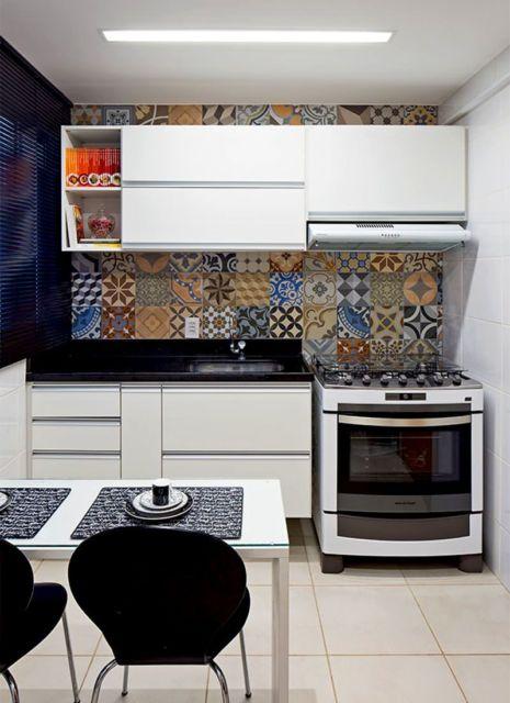 cozinha pequena e branca
