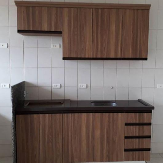 armários com gavetas
