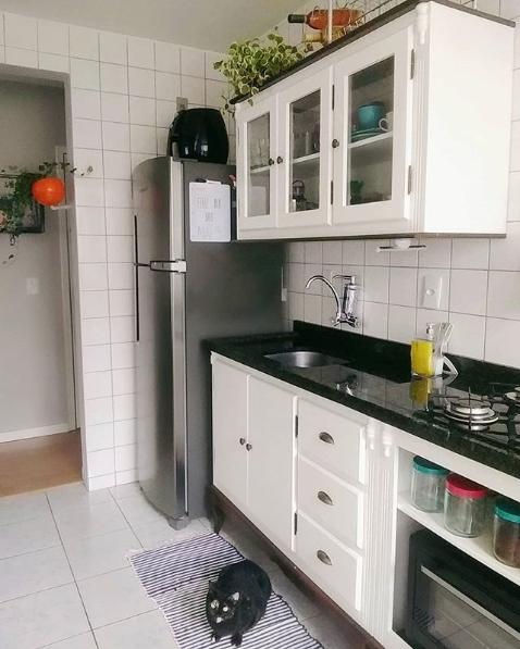 cozinha branca de madeira