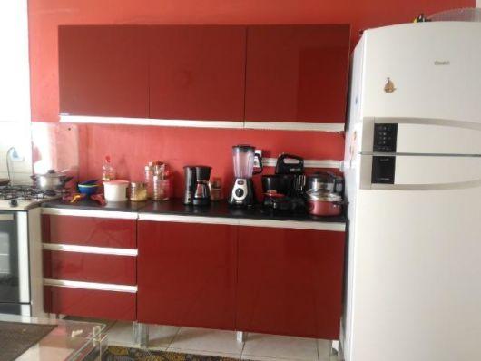 cozinha parede vermelha