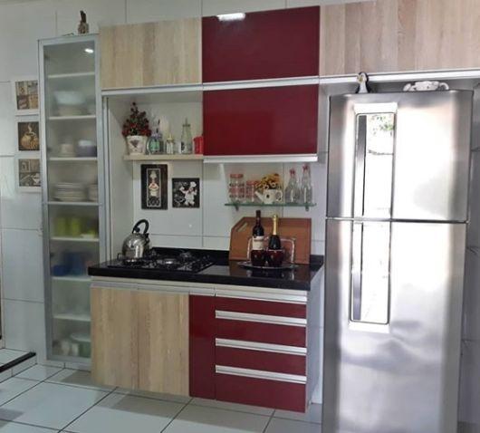 armários vermelhos cozinha