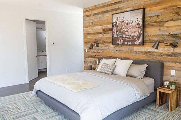 parede de pallet no quarto