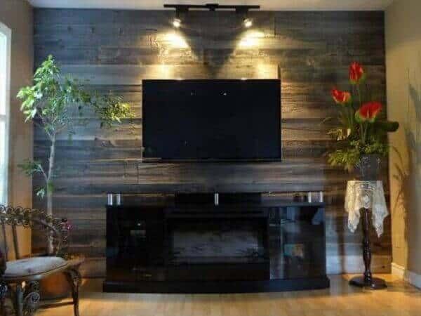 parede de pallet para TV simples