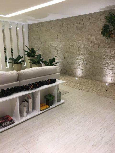 sala com porcelanato acetinado