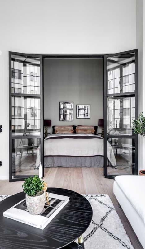 Modelo de porta francesa para quarto