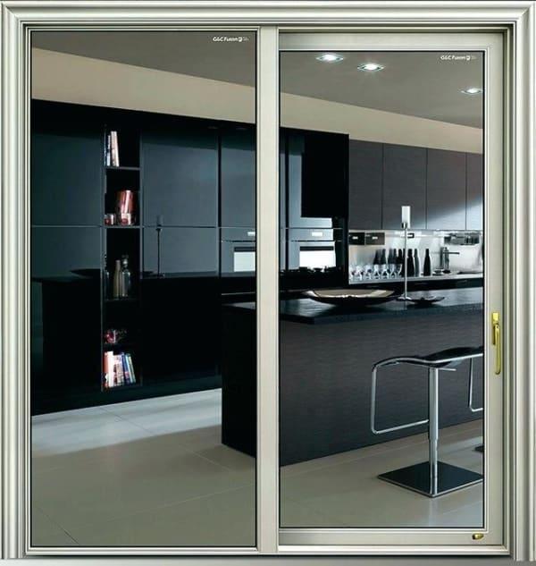 porta para cozinha com esquadria de alumínio