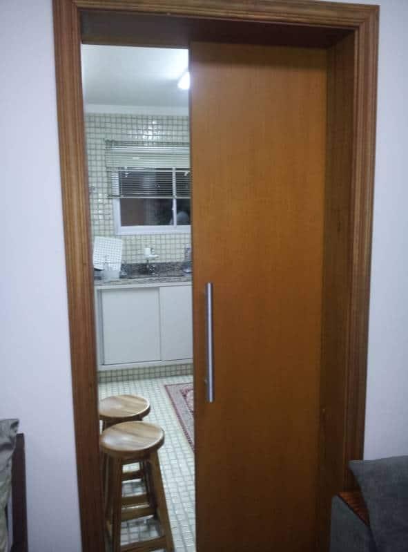 Porta de madeira de correr para cozinha