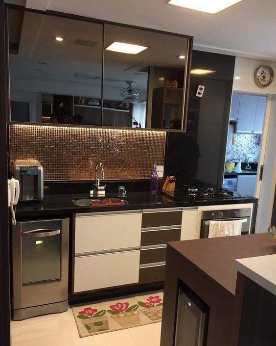 cozinha com tapete estampado