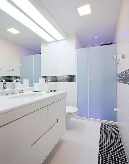 banheiro com pastilhas
