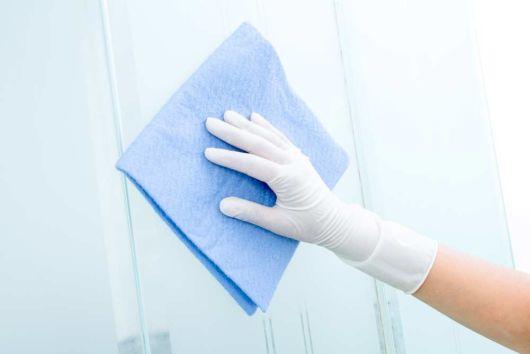como limpar vidro jateado passo a passo