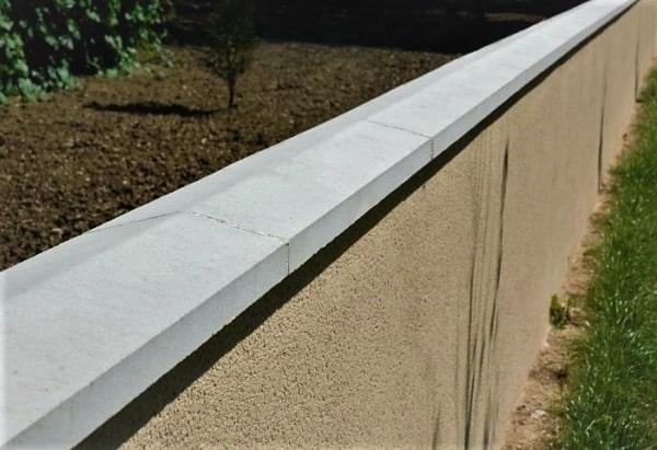 muro com pingadeira de concreto