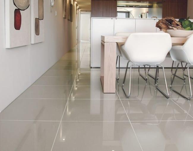 sala com piso de porcelanato
