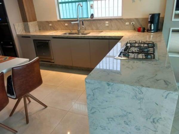 cozinha moderna com cooktop